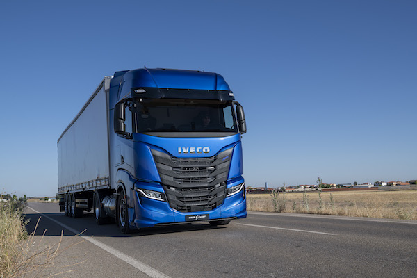 IVECO launches IVECO ON, the new Brand of services and transport solutions