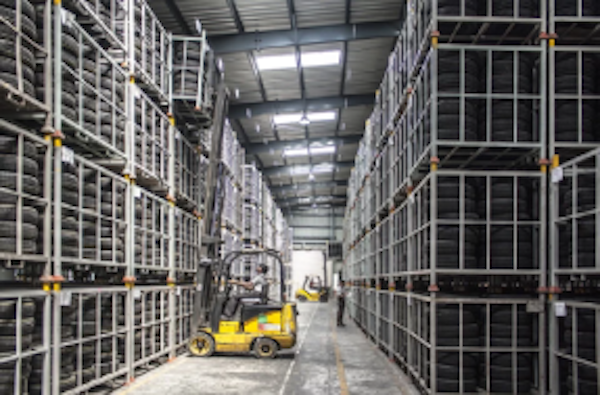 W.E. DEANE FREES UP 1000 PALLET SPACES TO HELP BUSINESSES MANAGE HOLIDAY SEASON DEMAND