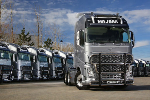VOLVO SUPPLIES FIRST NEW TRUCKS TO MAJORS SERVICE