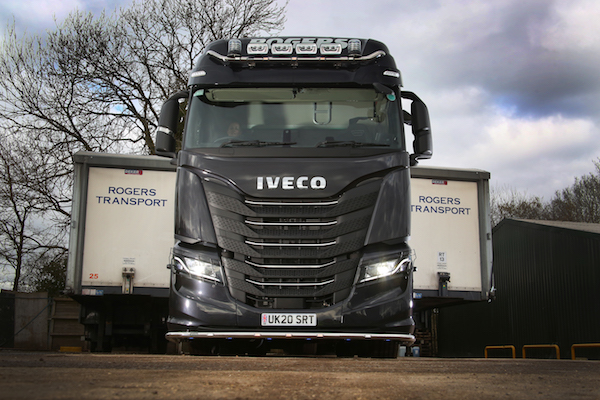 New top-of-the-range IVECO S-WAY 570 becomes the flagship for Rogers Transport